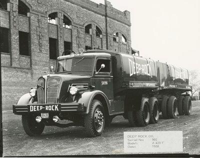 Camión Red Grange Deep Rock 1936